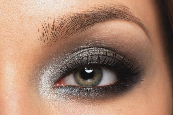 Dramatic silver smokey eye makeup