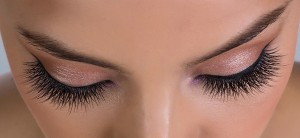 How To Lengthen Your Lashes