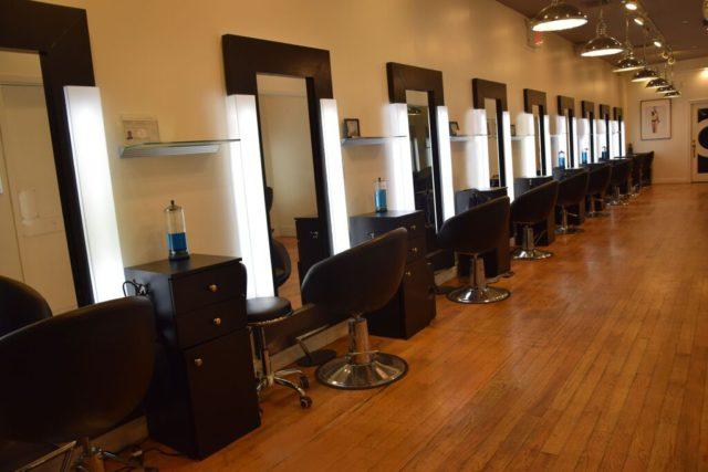 Y Gallery Salon Soho