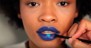 makeup video tutorial blue lips
