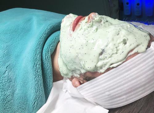 Spark Laser Center Face Mask